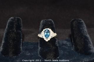 White Gold Aquamarine Pear Shaped Ring w/ Diamond Accents