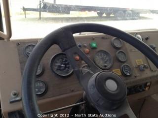 1996 Condor Reach Truck 125S, 8X6 NTC-350 CUMMINS DIESEL w/ 5 SPEED MANUAL TRANSMISSION