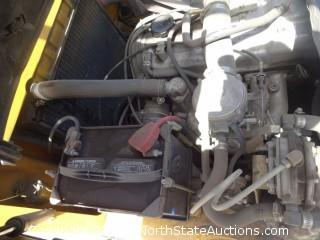 1993 Caterpiller GC30 3 Stage 6000lb Forklift