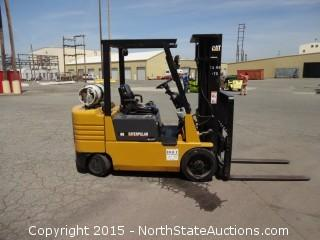 1993 Caterpiller GC30 3 Stage 6000lb Forklift