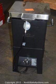 River Grille Smoker