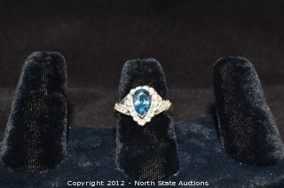White Gold Aquamarine Pear Shaped Ring w/ Diamond Accents