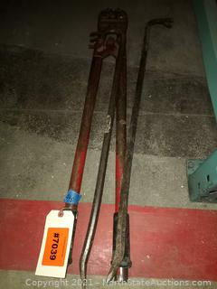 Pry Bars And Bolt Cutter