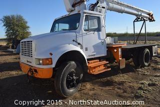 International Navistar Flatbed Truck (For Parts Only)
