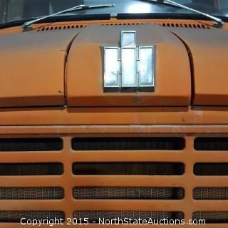 International Harvested Loadstar 1600 Flatbed Truck