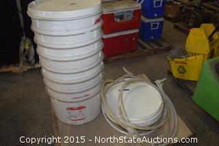 8 Buckets and Lids