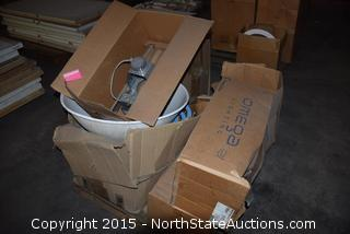 Mixed Lot of Lighting Equipment