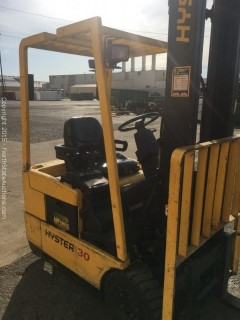 Hyster, Electric Forklift J30XMT, 2300 LB Capacity