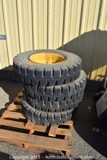 Solid Skid Steere Tire