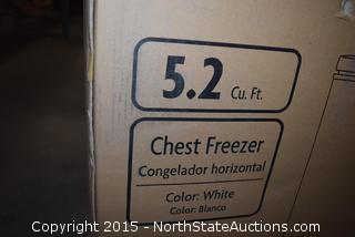 Magic Chef 5.2 Cu ft Cheat Freezer