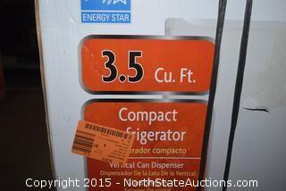 Magic Chef 3.5 Cu ft Compact Refrigerator