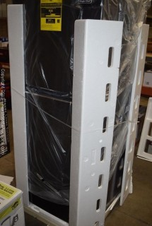 Magic Chef 10.1 Cu ft Frost Free Refrigerator