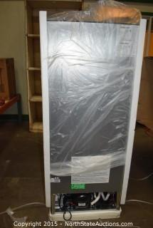 Magic Chef 10.1Cu. Ft Frost Free Refrigerator
