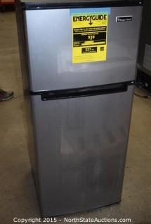 Magic Chef 4.5 Cu ft Two Door Refrigerator