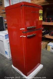 Galanz Retro Refrigerator