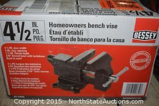 Bessey 4 1/2 Homeowners Bench Vise