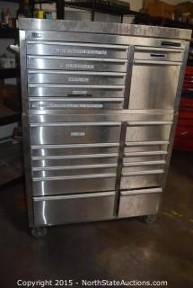 Hammer Head Rolling Tool Chest with Tools