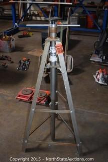 Pittsburgh 2 Ton Underhoist Safety Stand