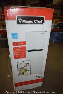 Magic Chef 4.8 Cu ft Two Door Refrigerator