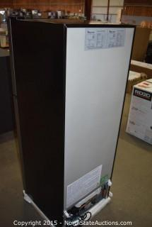 Magic Chef 4.8 Cu ft Two Door Refrigerator