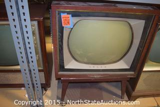 1958 RCA Victor Deluxe Color TV