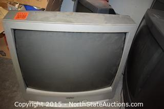 Lot of 4 TVs