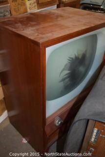 2 Vintage TVs amd CRT