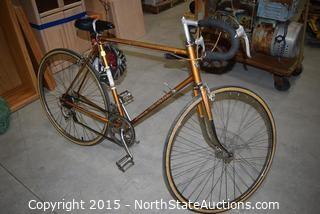 Vintage Schwinn Continental 10 Speed Bike