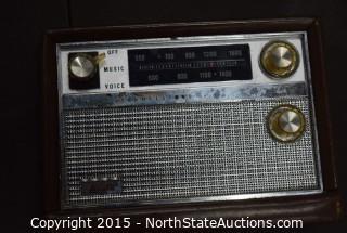 Lot of Vintage Portable Radios