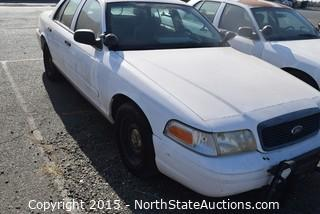 2001 Ford Crown Victoria (#13)