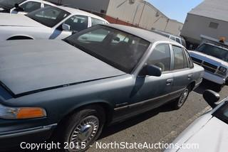 1995 Ford Crown Victoria/Green (#2)