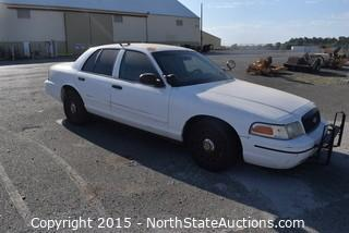 2003 Ford Crown Victoria (#15)