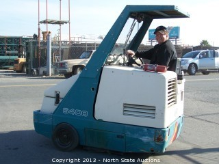 Tennant 6400 Gas Powered Ride-On Floor Sweeper with 3285 Hours